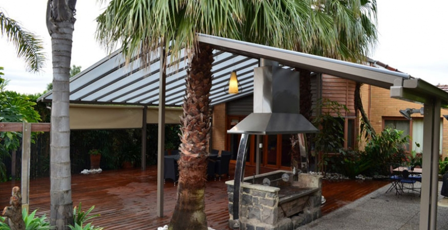 What Are My Commercial Verandah Roofing Options?