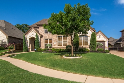 LISTED BY TOSELLO TEAM: 8112 Belmont Court, North Richland Hills, TX