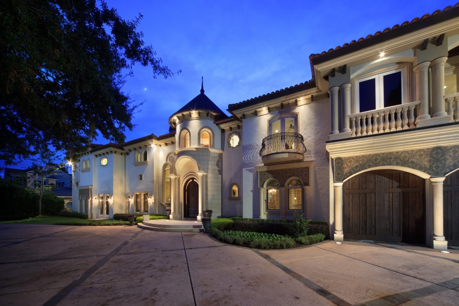 Extraordinary Lakefront Estate in Winter Park Sells for $6.775 Million