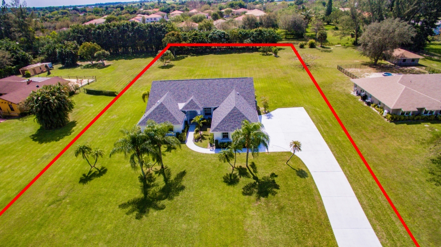 Legend Lake Estate 1.2 Acres Single House