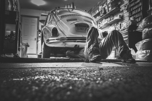 Essential Garage Equipment for Car Enthusiasts