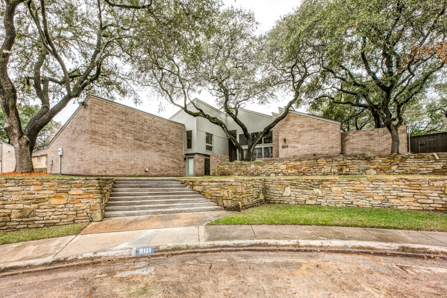 Nestled in Quiet Cul De Sac in Lake Highlands!