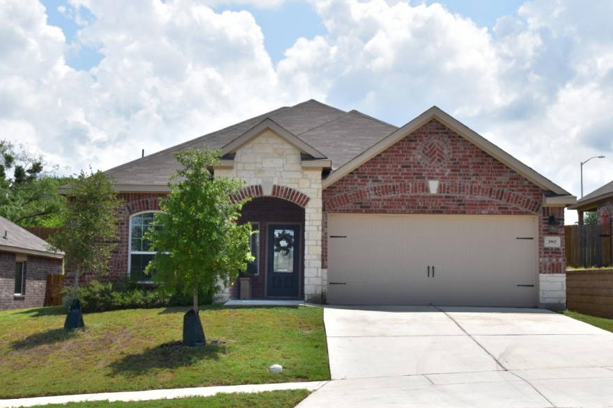 Home for Sale in New Braunfels, TX - 380 Cylamen