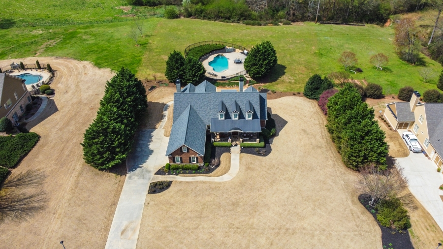 Estate Home on 1.5 acres with In ground Pool - Just Listed