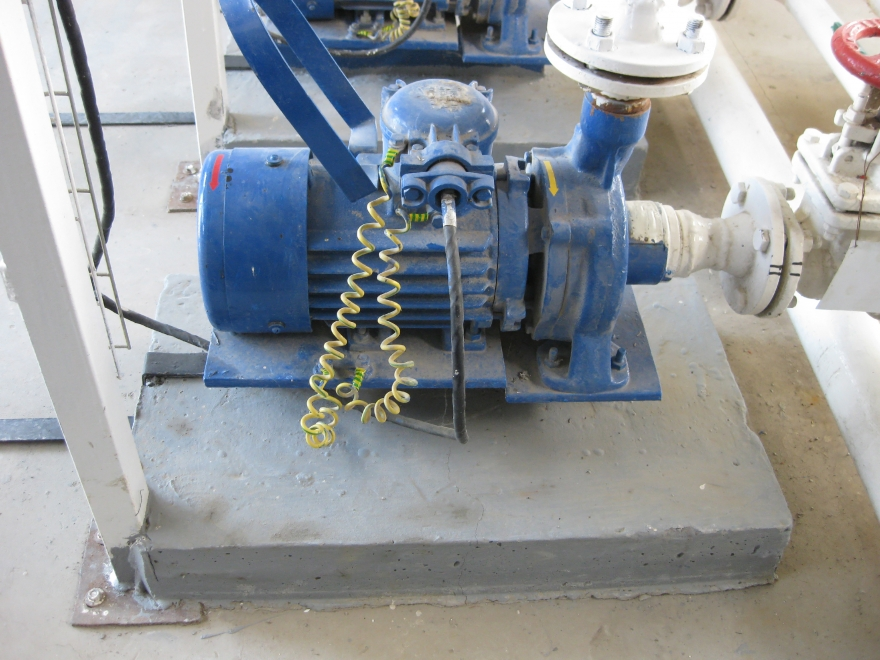 How does a Water Pump works